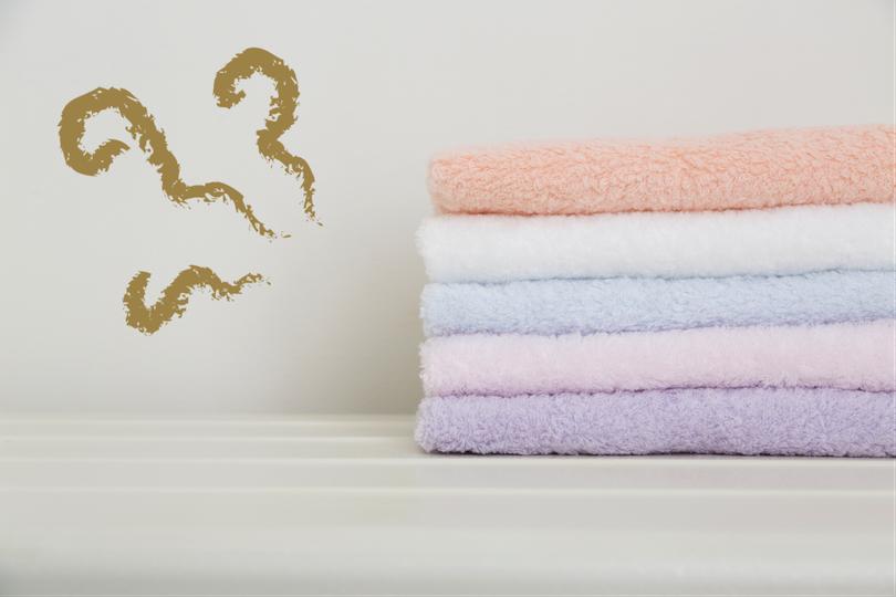 部屋干ししたタオルはどうして臭くなるの?