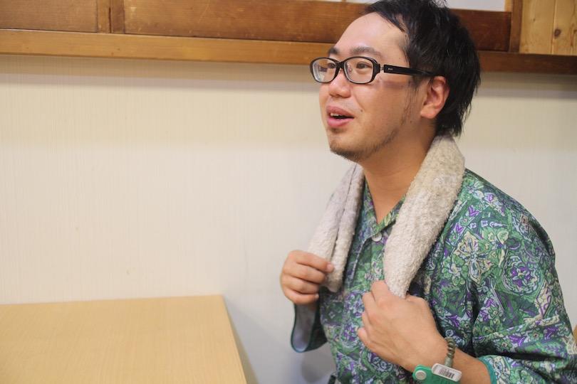 ベーシックな色使いの<MAROYAKA TOWEL>