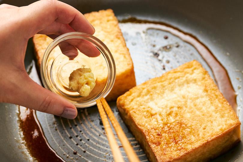 しょうゆ・酒・みりん・砂糖・味の素・生姜を入れて、煮詰めたらできあがり