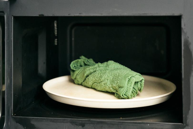 """""""簡単蒸しタオル""""を作ります。"""