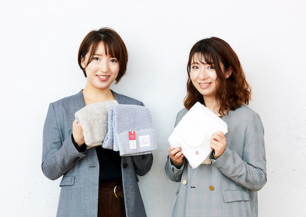 長尾さつき(左)、堀江玲菜(右)